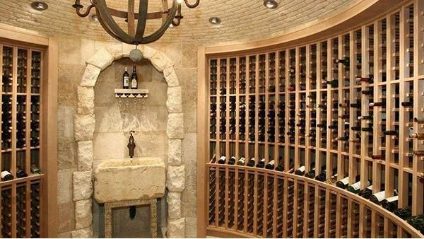 如何打造高端私人酒窖设计