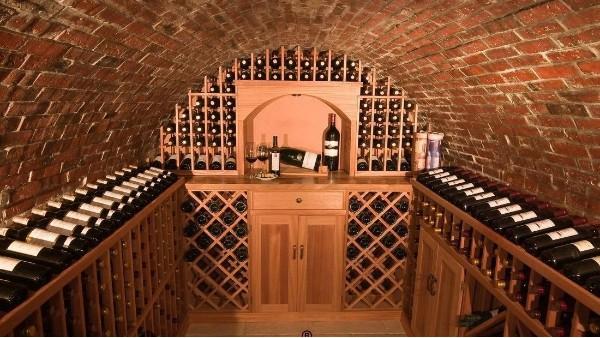 酒窖是豪华定制建筑和装修的最新趋势