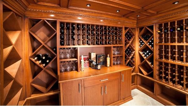 酒窖中实木酒架的用途
