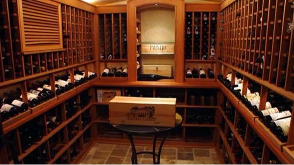 酒窖设计定制实木酒架材料、恒温、美观、做工等要求